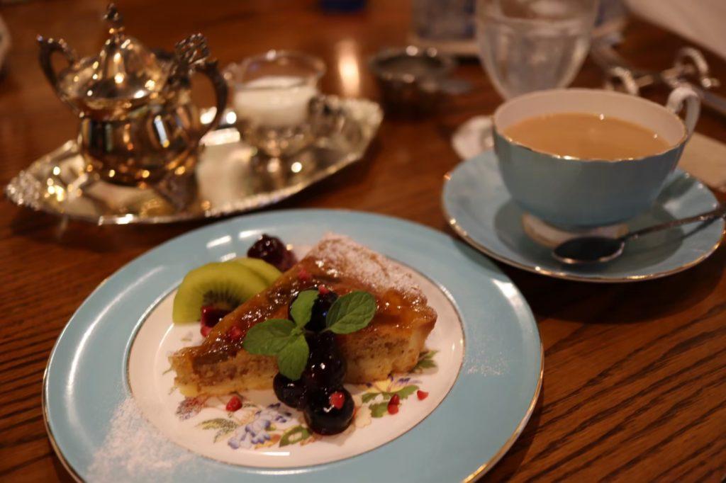 英国茶房 森栖 ミルクティーとイチジクのケーキ